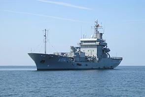 FGS WERRA rescues 103 migrants in the Mediterranean